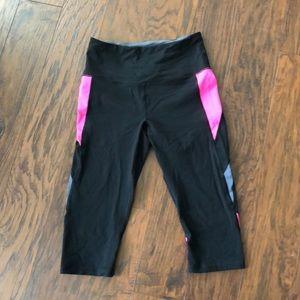 Black & Pink Victoria's Secret Sport Crop Legging